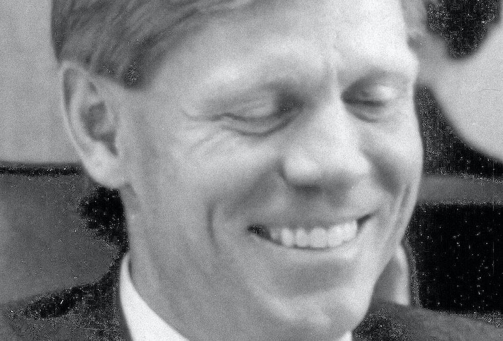 Dennis C. Roberts (1985-1986)